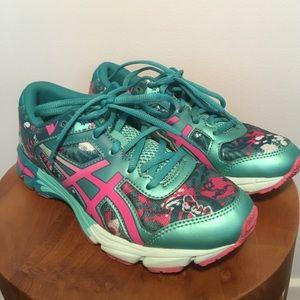 ASICS Gel Noosa Tri Tennis Shoes